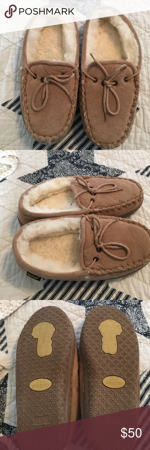 Old friend Slippers beige suede🙊🙈🙉 Oldfriend slippers,moccasinstlye,sheepskin, plush, hand stitched!New Old Friend Shoes Slippers
