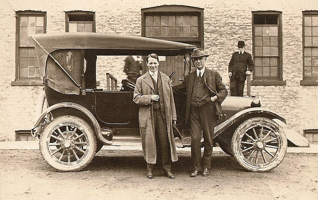 1915 Dodge Brothers Touring Photographed in St. Marys Ontario Canada in front of the old Maxwell Plant. Not sure of the exact year of this photo approx. c.1915