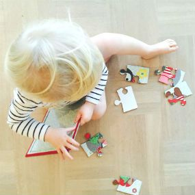 Puzzle made of recycled paper. Keeps Ebba occupied for at least a couple of minutes :-)