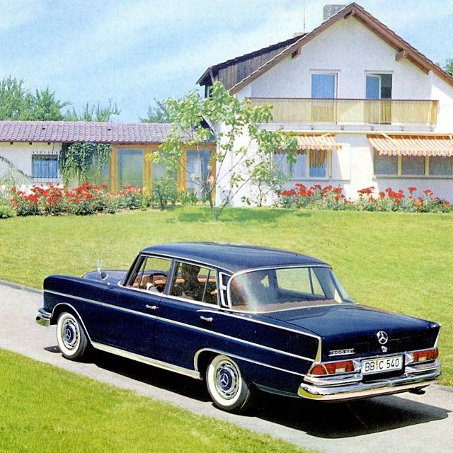 No filter needed: the 220 W111 Heckflosse (fin tail). #throwbackthursday #mercedes #benz #instacar