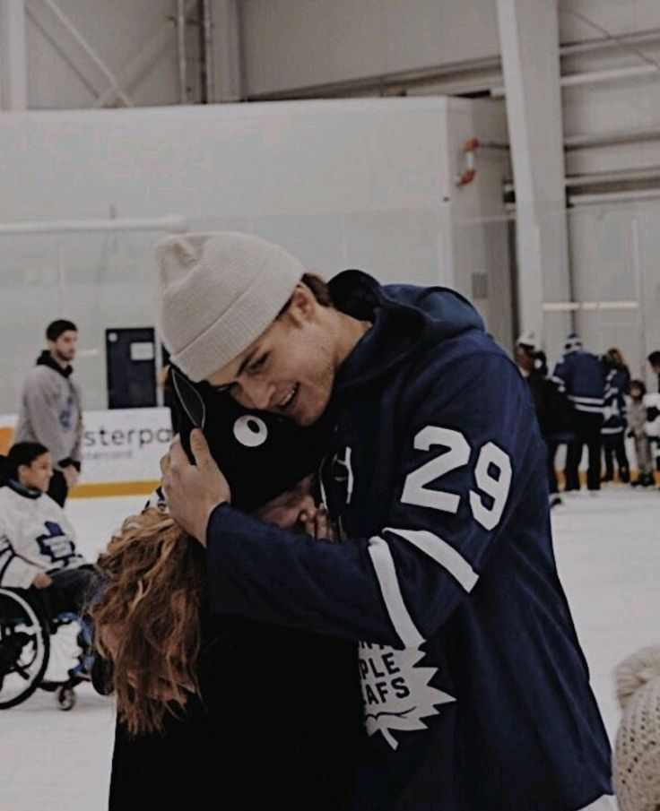 William Nylander is the definition of kindness.❤ This picture is so genuine
