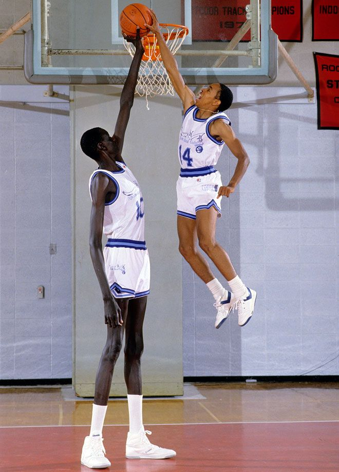 7-foot-7 Manute Bol teamed up with 5-foot-7 Spud Webb on the Rhode Island Gulls of the United States Basketball League (USBL), a pro spring league, before both entered the NBA in 1985.