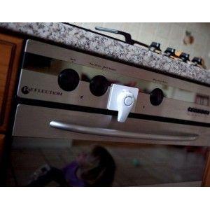 Clevamama Bloqueo de seguridad Horno. http://www.midulcecompania.cl/?product=clevamama-bloqueo-de-seguridad-horno