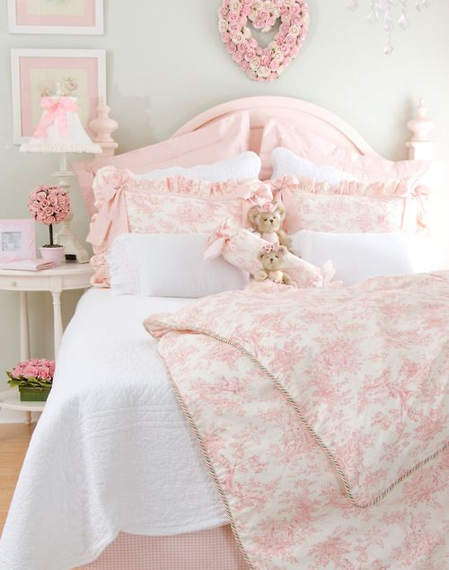 1000+ ideas about Pink Bed on Pinterest  Green Bed Sets, Lace Bedding ...