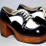 deze schoenen komen  uit de jaren 70.