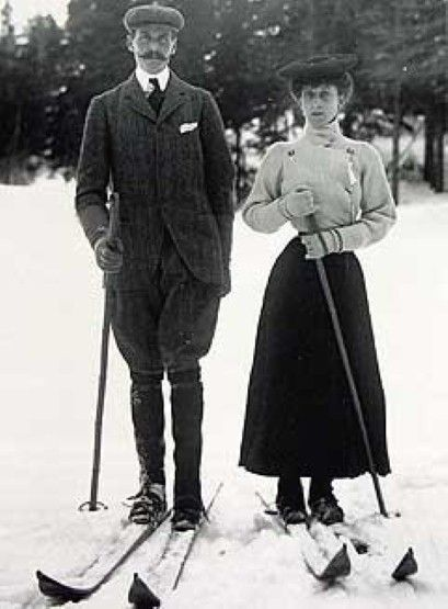 King Haakon and Queen Maud skiing. Can't imagine skiing in a corset! Or, well, doing anything in a corset