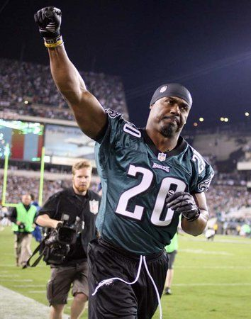 Brian Dawkins - you'll always be one of my favorite players of the Philadelphia Eagles.  Thank you Philly for retiring Brian Dawkins as an Eagle.  And thank you Brian for the Memories!!!