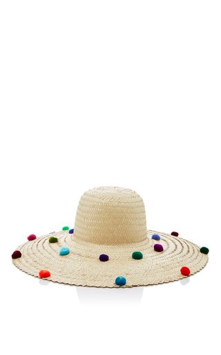 This **Nannacay** hat is rendered in fibers extracted from the Peruvian coast and is dyed by hand.