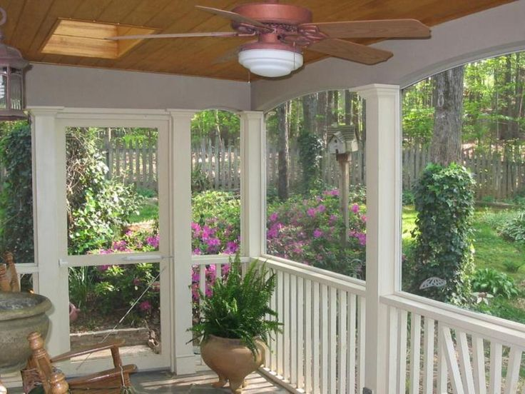 Best 25 small screened porch ideas on pinterest screen for Screened in front porch