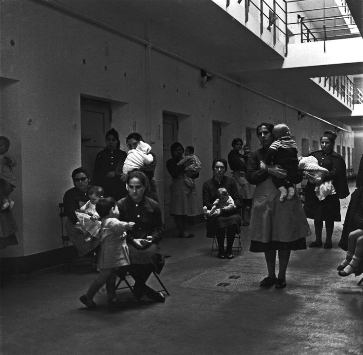 BABIES BEHIND BARS | NEAL SLAVIN PHOTOGRAPHY