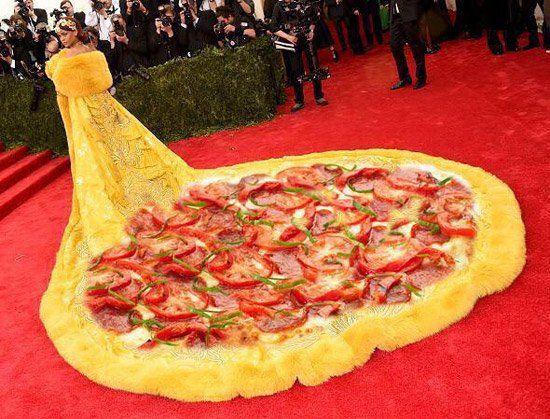 Let The Rihanna 2015 Met Gala Memes Begin (11 Photos)