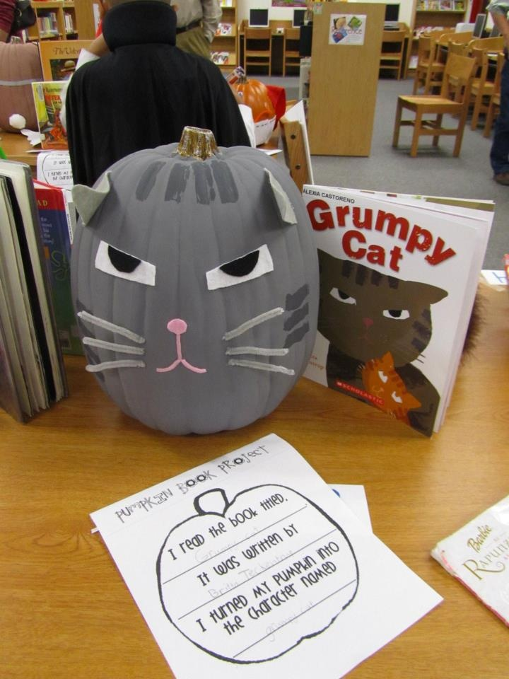 The Pumpkin Book Project. Students turn a pumpkin into their book character. Cute idea for a fall project.