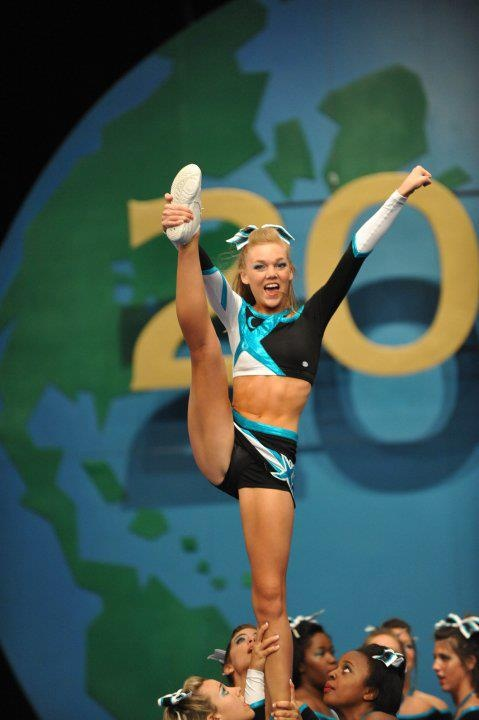 Maddie Gardner, cheer, competition, stunt,  cheerleading, cheerleader moved from Kythoni's Cheer Extreme & F5 Maryland Twisters: Maddie Gardner, Erica Englebert | Kelcie Burch, Maison Baker board http://www.pinterest.com/kythoni/cheer-extreme-f5-maryland-twisters-maddie-gardner-/ m.29.6