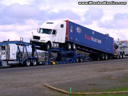 Freightliner getting 'friendly' with a car hauler? Say it ain't so!