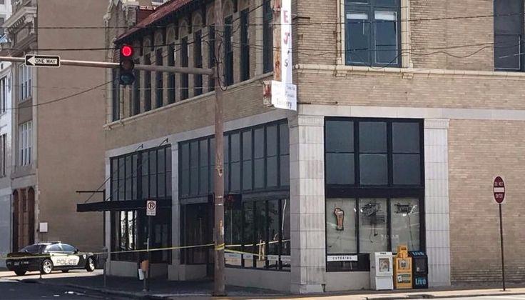 Al menos 17 heridos por un tiroteo en un boliche de Arkansas: Los investigadores creen que el tiroteo en un club nocturno que dejó al menos…