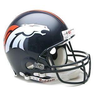 Casco original Broncos de Denver.