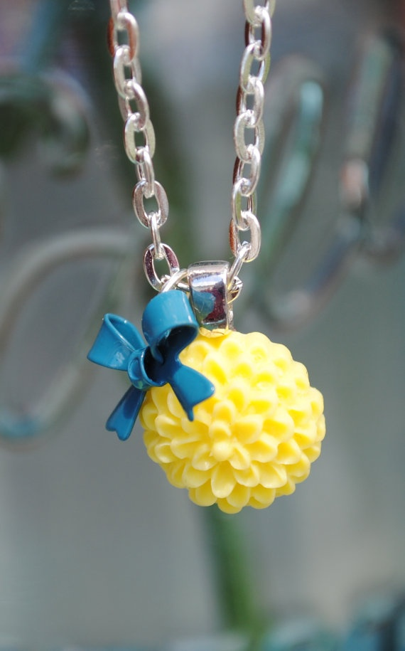 Chrysanthemum Necklace — except with a green ribbon
