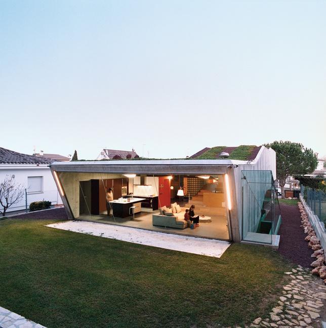 villa bio house backyard