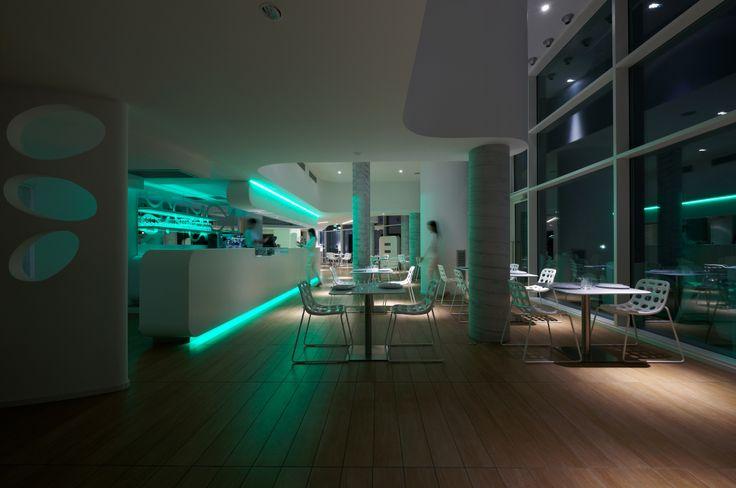 Cafè de Mar lounge bar