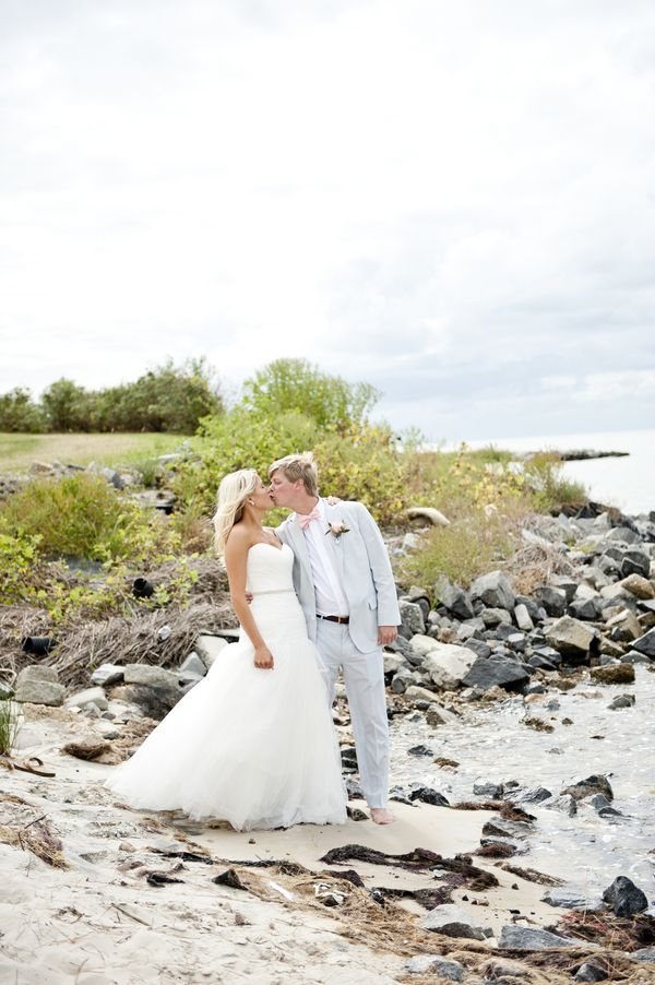 Seaside 'I dos' - Cape Charles - photo by Jen Harvey Photography - to see more: http://www.theperfectpalette.com/2014/03/real-wedding-matt-and-sally.html