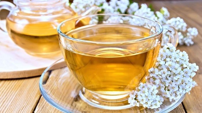Benefits of yarrow for endometriosis, PCOS, ovarian cysts and fibroids. Instructions on how to make and consume yarrow tea.