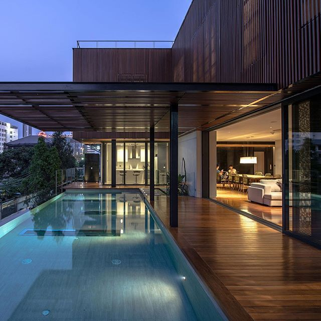 Contemporary Pool House: 1000+ Ideas About Modern Pool House On Pinterest