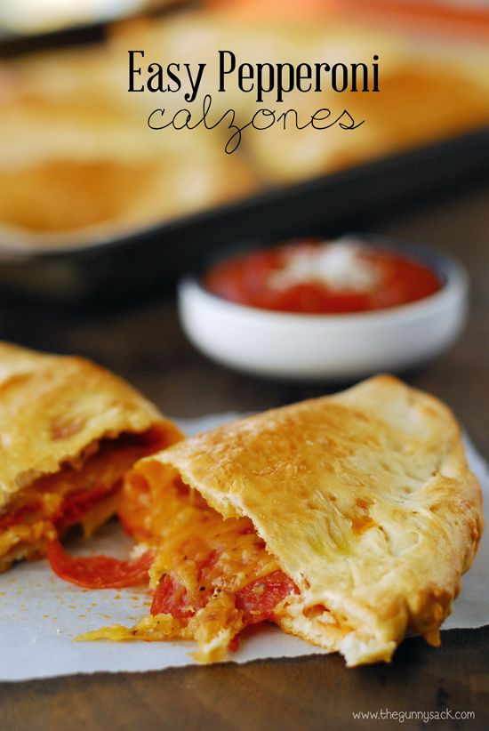 Easy Pepperoni Calzone Recipe - hubby was just asking for these for dinner. Think I'll add pineapple too :)