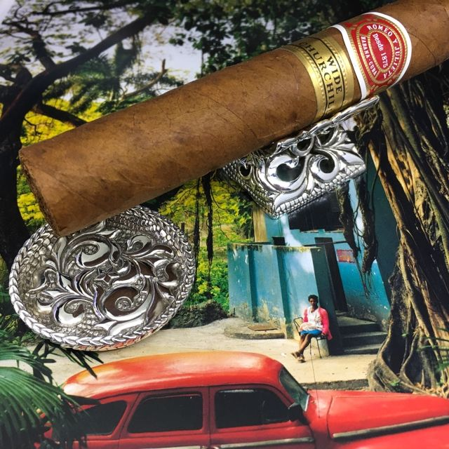 Wild mens life style (^_-)Handcrafted floral fretwork cigar rest and ashtray by Jay Tsujimurahttp://shopjay.com/user_dat