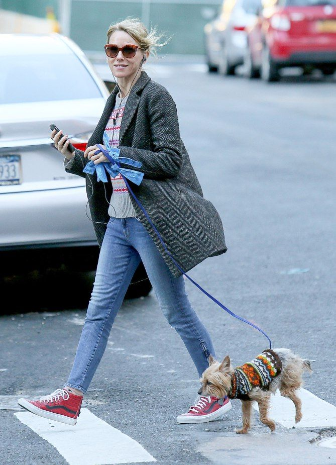 SWEATER WEATHER   Naomi Watts and trusty Yorkie Bob take a Christmas Day walk around N.Y.C.  Star Tracks: Monday, Dec. 26, 2016