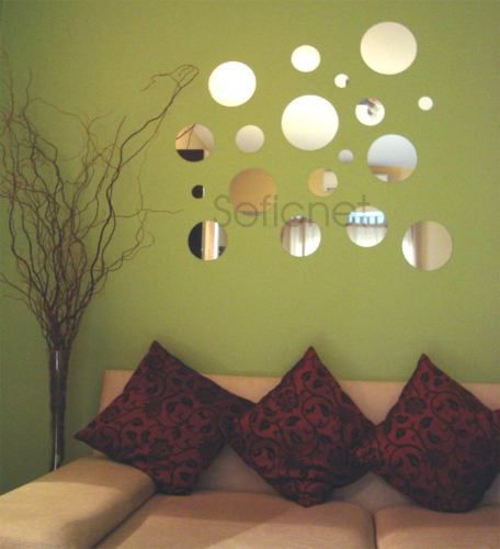 (Chapter 14): This is a modern use of espejos. Espejos were small mirrors placed on different surfaces in misiones to reflect light.