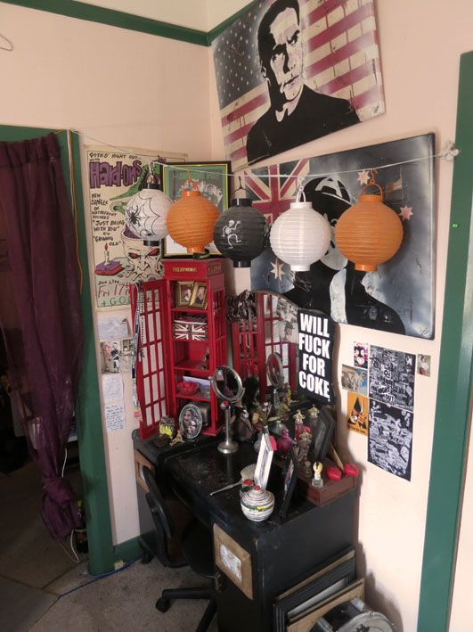 Purge's punk rock gyspy caravan museum room: making the most of a share-house space. | Offbeat Home