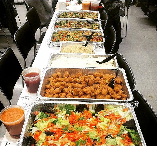 ¿Tienes talleres, cursos, reuniones de trabajo, trabajos nocturnos, etc? Deja las comida en nuestras manos, nosotros nos encargamos de ofrecerte la mejor variedad y el mejor sabor, nos adaptamos a tus necesidades nutricionales. #TienesQueProbarlo -- #catering #caracas #igersvenezuela #lobuenodevenezuela #venezuelaes #food #foodporn #instafood #yummy #instagood #cocinerosvenezolanos #foodgasm #forevergorditos #hechoenvenezuela #comidavenezolana #ccs #foodvenezuela