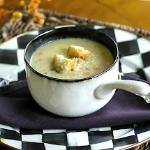 Cauliflower Soup with Parmesan Croutons | Yummy soup | Pinterest ...