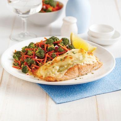 Filet de saumon aux oignons gratiné - Soupers de semaine - Recettes 5-15 - Recettes express 5/15 - Pratico Pratique