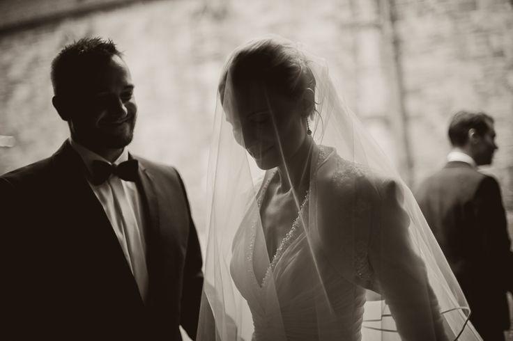by JenzFlare People- and Hochzeitsfotograf Saarbrücken, Germany #wedding #bride #veil #dress #tuxedo #witness  #ring #marriage