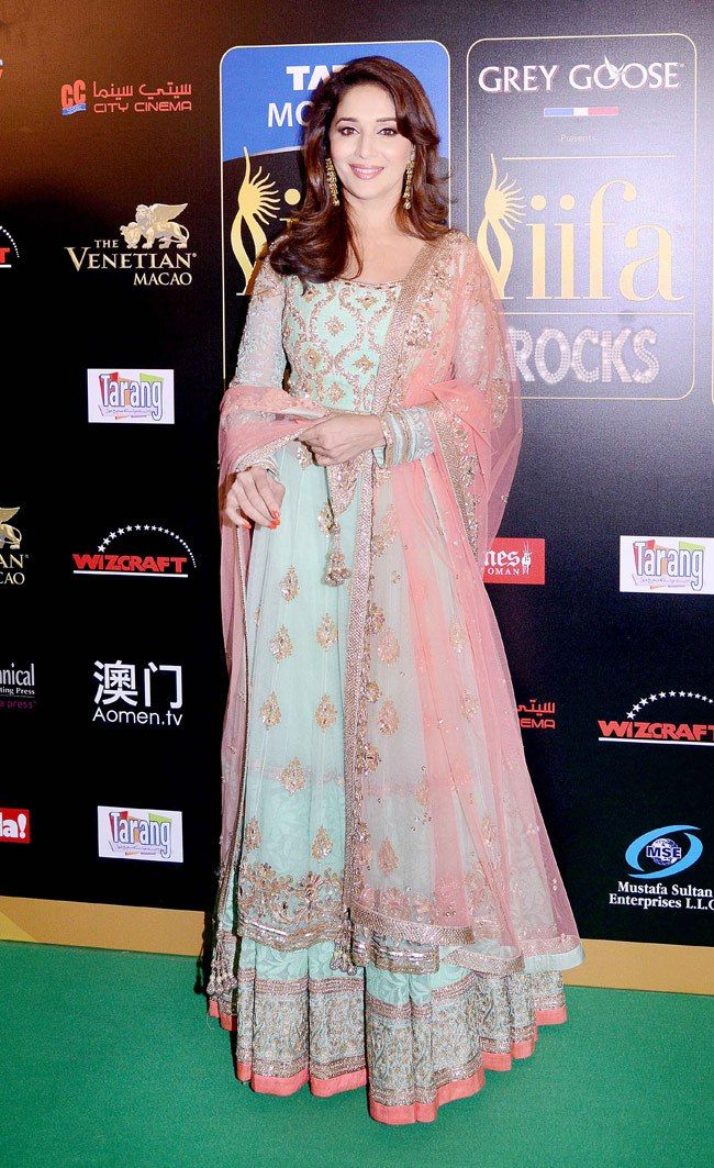 #MadhuriDixit in a soft pink & blue 'Manish Malhotra' anarkali for the IIFA graceful as always