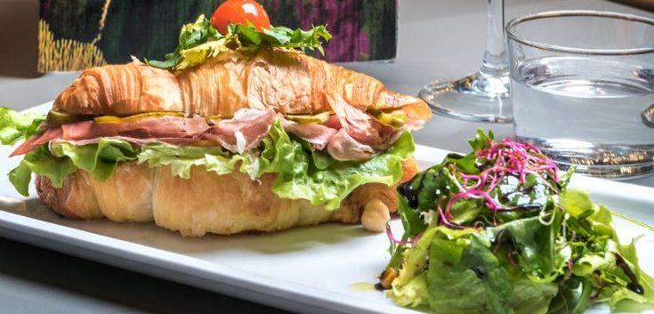 la brioche salata è una delle proposte per il pranzo, della Pasticceria Flego