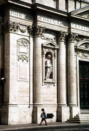 Carlo Maderno. Santa Susana, Roma. Fachada: hornacinas y columnas.