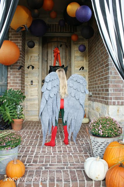 Crazy Wonderful: DIY kid's halloween costume ideas, Justice League Hawkgirl costume, DIY Hawkgirl mask, DIY wings, felt wings, superhero costumes, superhero costumes for girls, DIY superhero boots