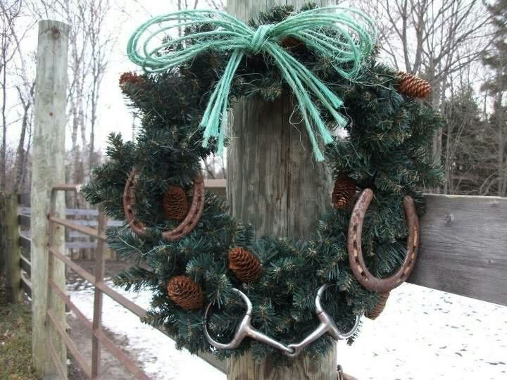 horse lover's winter wreath Lose weight the natural and safe way with products found on quickwaysloseweight.net