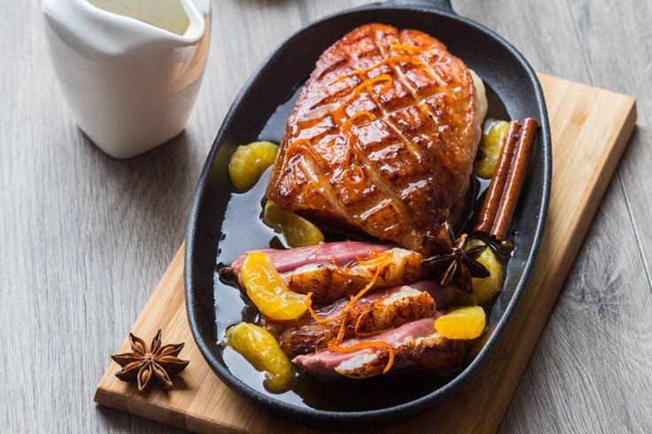 On revisite le traditionnel canard à l'orange avec ce magret à la clémentine de Corse et aux épices.
