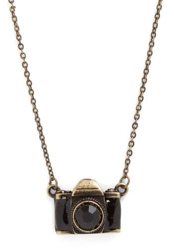 camera necklace from modcloth
