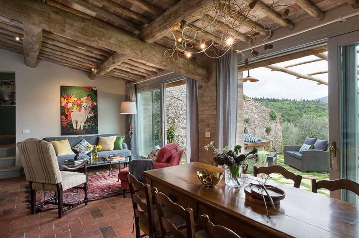 Casa Emilio. Montestigliano Farmhouse | Photo © Francesca Pagliai [Dining room - Sala da pranzo]