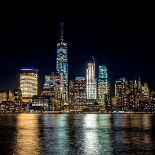 newyorkcityfeelings:Lower Manhattan skyline by