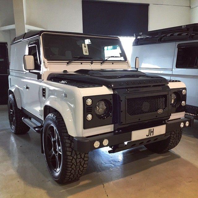 // Land Rover
