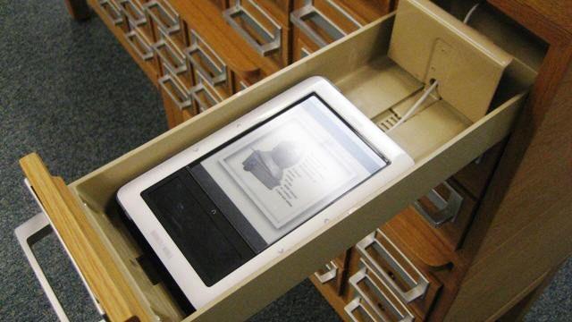 Campañas de promoción del libro electrónico en bibliotecas | Universo Abierto