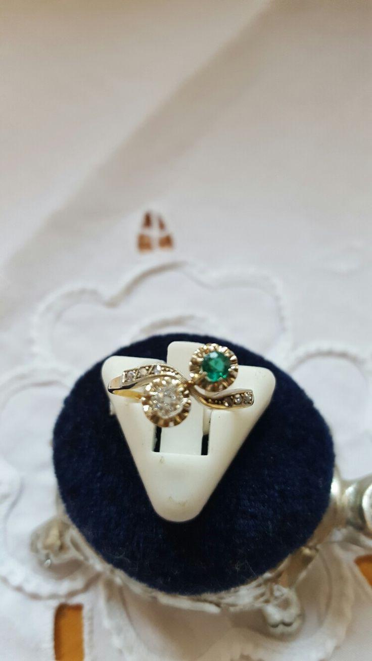 кольцо желтое золото , 18 карат, бриллиант, зеленый турмалин