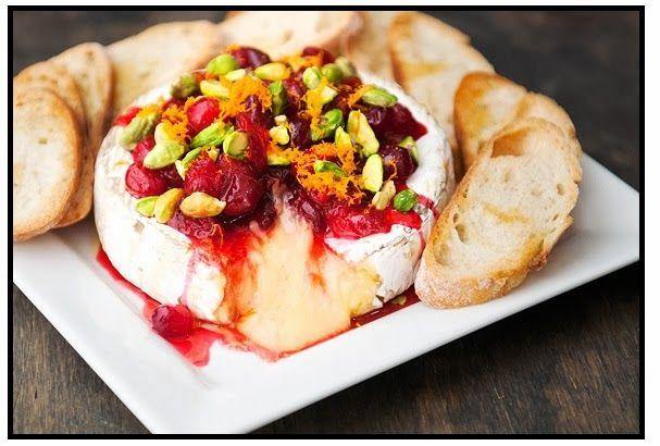 InVkus: Запеченный сыр Бри с соусом из клюквы и фисташками