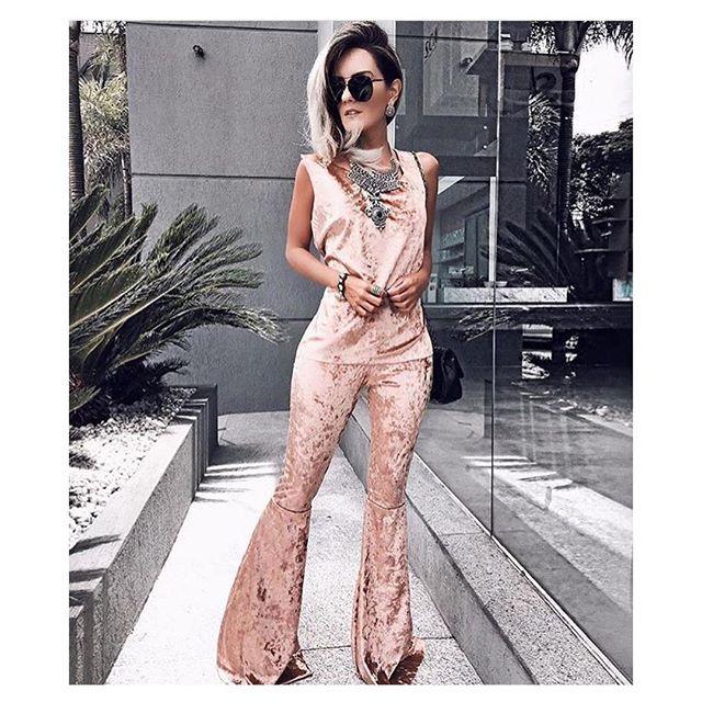 WEBSTA @ r_fashionbrand -  _            apresenta pra você: New Collection 2️⃣0️⃣1️⃣7️⃣ com esse maravilhoso conjunto flare de veludo molhado (tamanho único) disponível nas cores: cinza, bordô, verde militar e rose❣️⚡️{ R$219,90 frete }⚡️℘.s. Encomende agora mesmo via WhatsApp ➸ (11) 96410-5954 #moda #estilo #mulher #roupas #vestidos #blusas #saias #calças #jaquetinhas #conjuntos #macacão #body #tendências #lookdodia #bomgosto #lojavirtual #verão #roupaétudo #es...