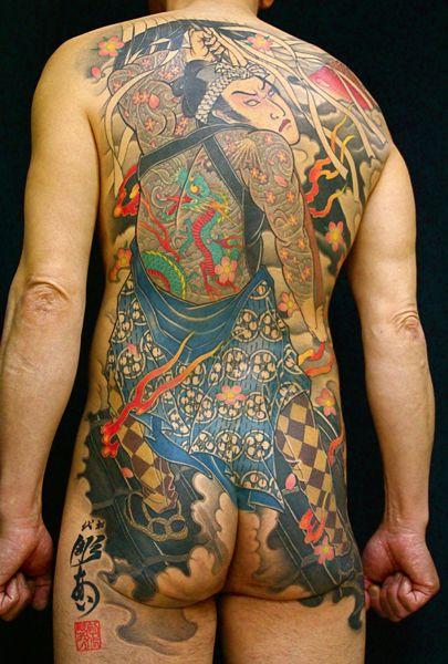 刺青作品「火消し」です。刺青「彫あい」の世界がお伝えできるよう刺青作品をカテゴリーごとにご紹介。刺青「彫あい」日本伝統刺青は新宿にある和彫りや水滸伝など伝統的な図案を手がける彫り師です。